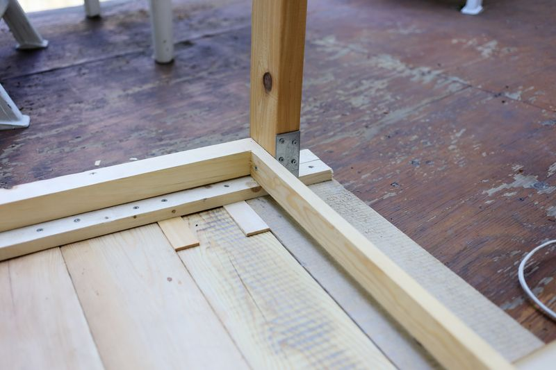 Patio table diy ruban cassette - Construire une table en bois ...